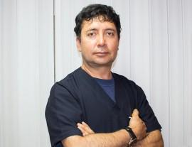 Dr. Gustavo Monteros